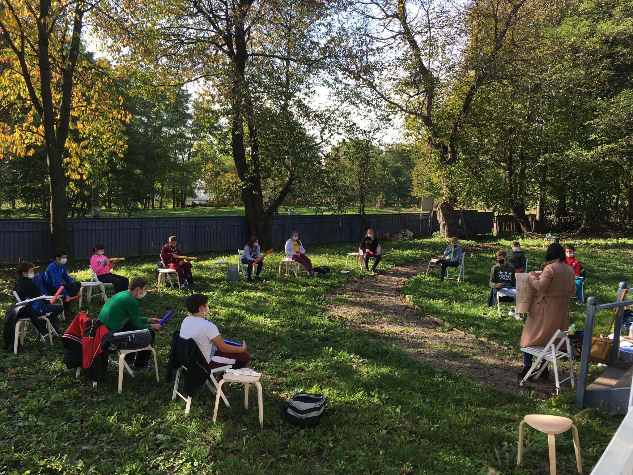 Prima lecţie de muzică la Casa Enescu